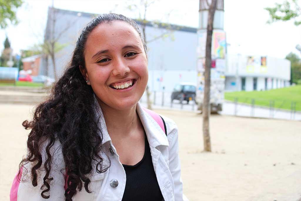 Noia jove del projecte de beques de la Fundació Marianao