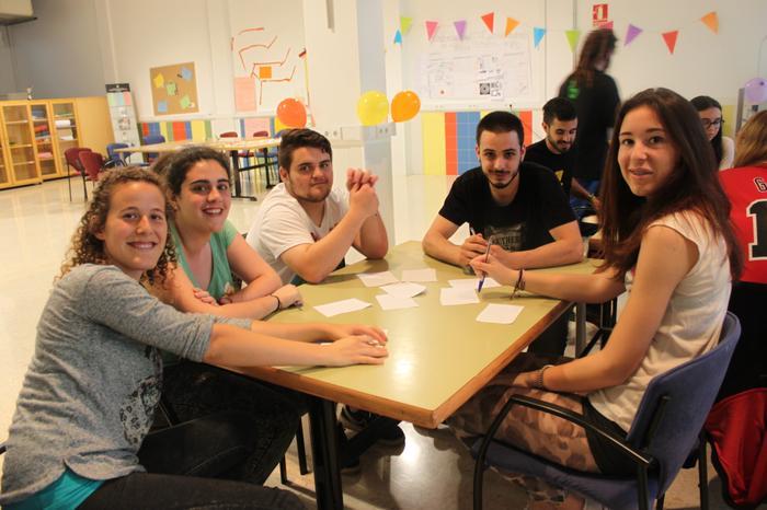 Joves al Lokal9 de la Fundació Marianao